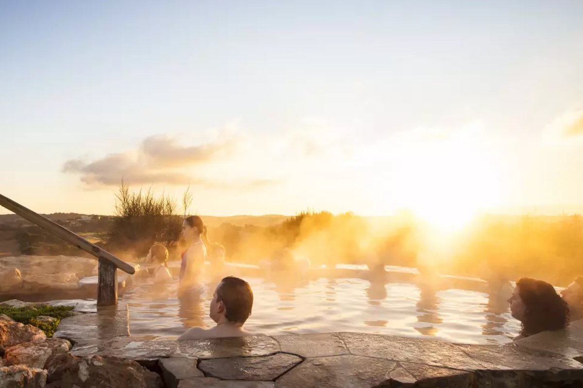 8-Breakfast-and-Hotsprings
