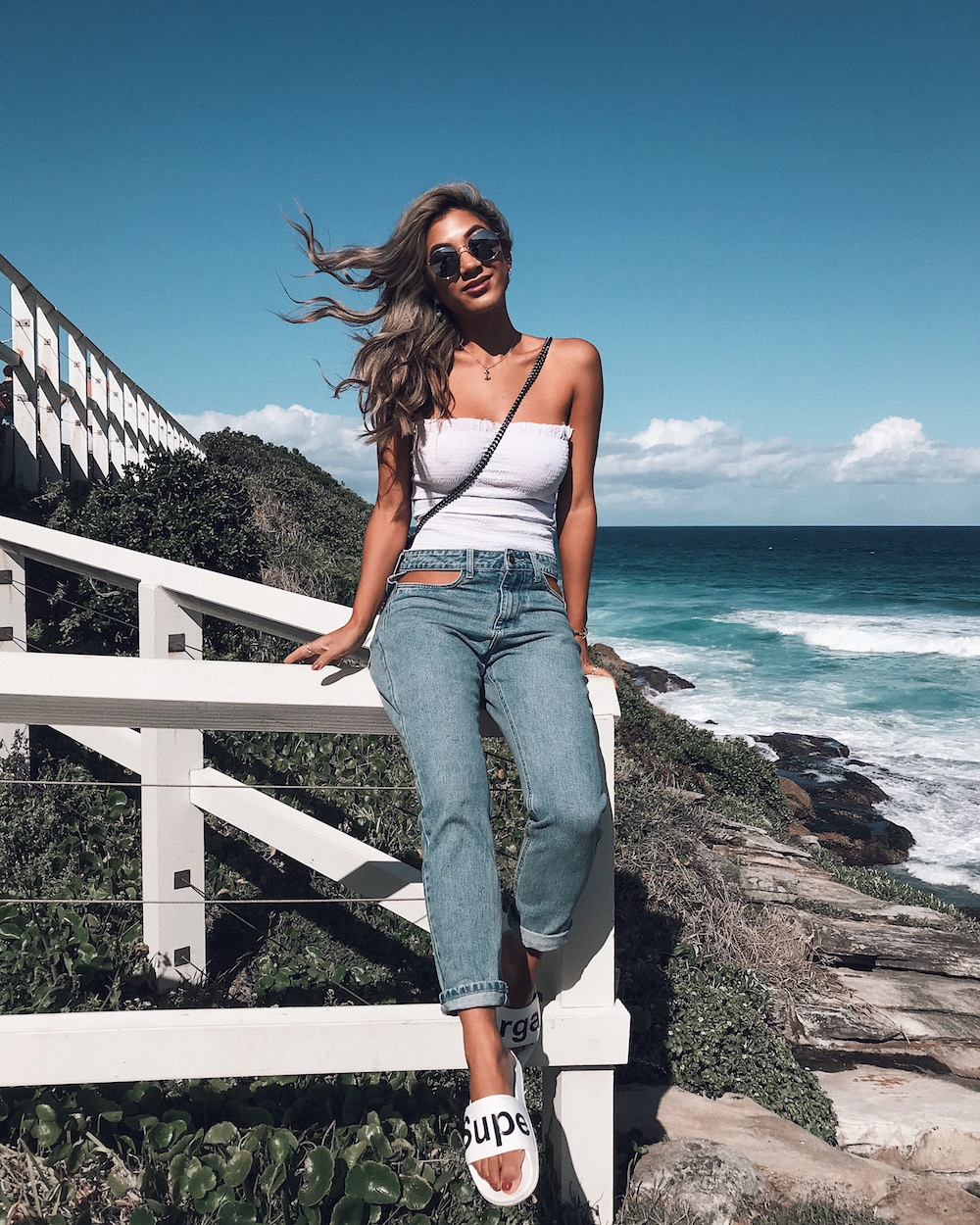 jeans-beach-outfit