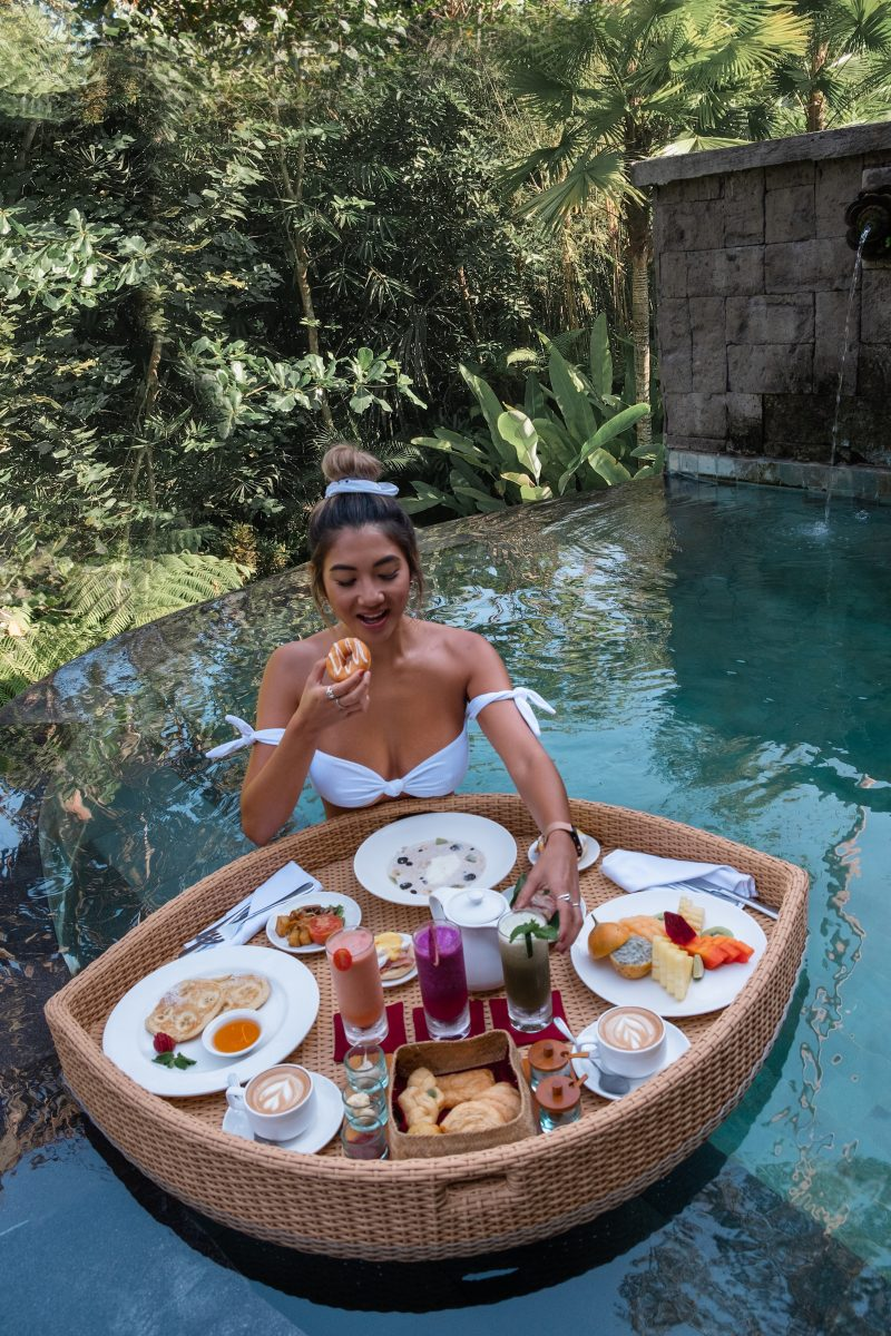 bali-udaya-fashionandsounds-breakfast-pool
